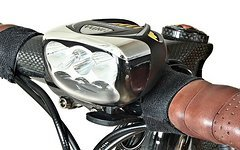 M-Bike Parts, Feathery Carbon LED Fahrrad Lampe mit 3000 Lumen.