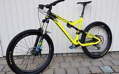 Commencal Meta V4 Enduro 27.5 650B Eagle Carbon Laufräder MTB