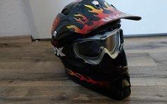 Uvex Downhill Helm mit Brille - Kult Retro Flammen