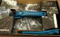 Race Face Turbine Turbine Cinch 170mm 68/73mm blau