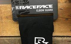 "Race Face ""Charge"" Elbow Guard Gr. L"