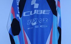 Cube Race Action Team Trikot