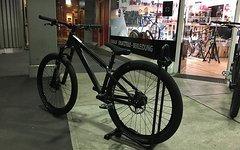 Santa Cruz Jackal Dirtbike *All Black - wie neu*