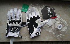 Fox Bomber Carbon Handschuh L NEU