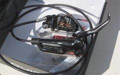 SRAM Guide RS VR + HR Scheibenbremse + Adapter + 2 Beläge