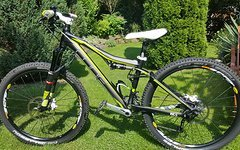 Cube Fully CUBE AMS WLS Pro 15 Zoll Damen Bike Custom-Aufbau