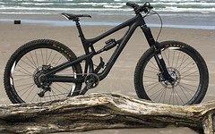 Santa Cruz Nomad CC M stealth black