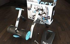 Tacx Bushido Trainingsrolle für Smartphones & Tablet