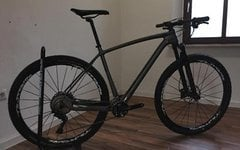 Kellys Bicycles Hacker 70 Carbon FOX-32 XT-Gruppe Mavic LRS