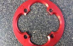 Emanon Bashguard 34 Zähne, rot, 4 Loch/104mm Lochkreis