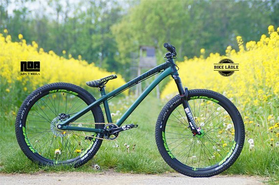 Dartmoor Two6Player Custom Dirt / Street Pumptrack-Bike Rock Shox Pike DJ , Spank Spike 33 ,Sram NX / Noa / Bike-Lädle Laufradbau