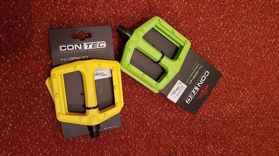 Contec N-Grind 2× Plattformpedale Kunststoff, gelb + grün