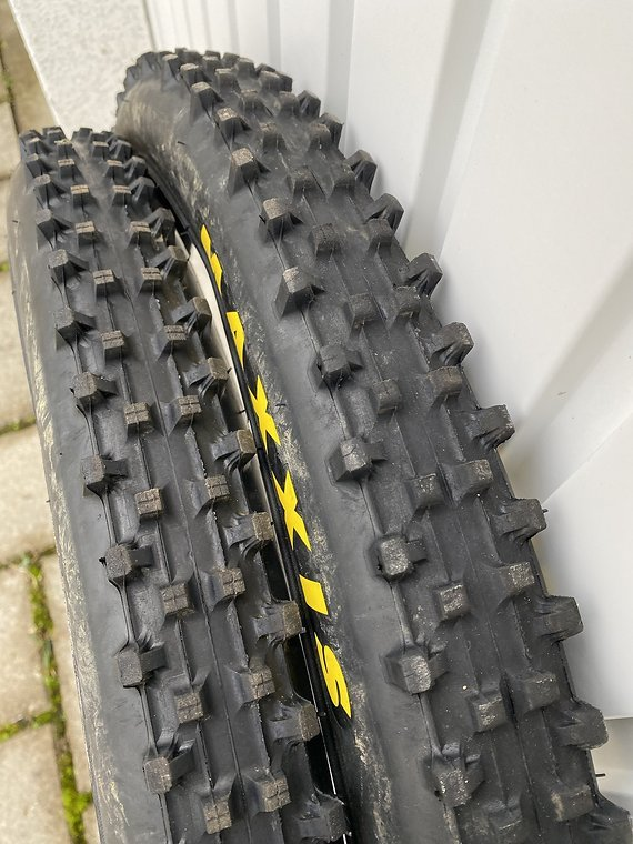 Maxxis Wetscream 27.5 x 2.5 DH Supertacky