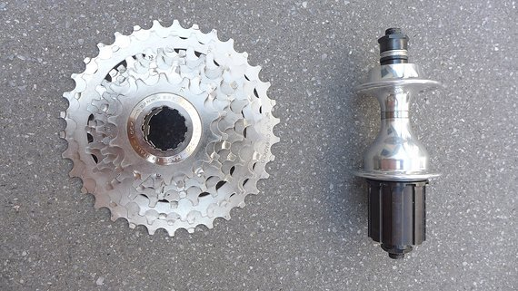 Campagnolo Record OR Hinterrad Nabe mit 8fach Kassette 14-34