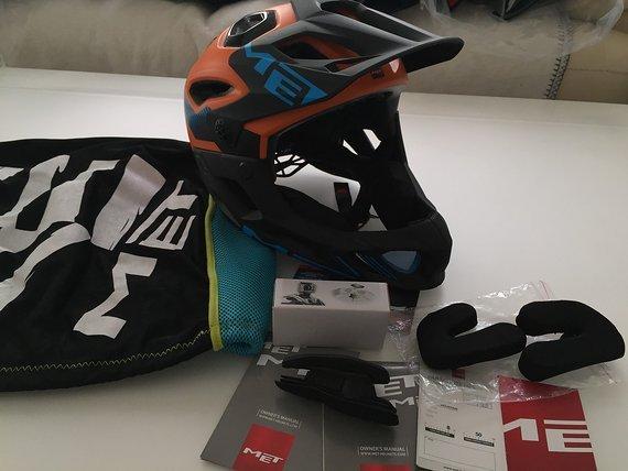 MET Parachute Helm Gr.M Enduro Fullface Fahrradhelm
