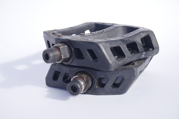Kunststoff Flatpedals ohne Schrauben