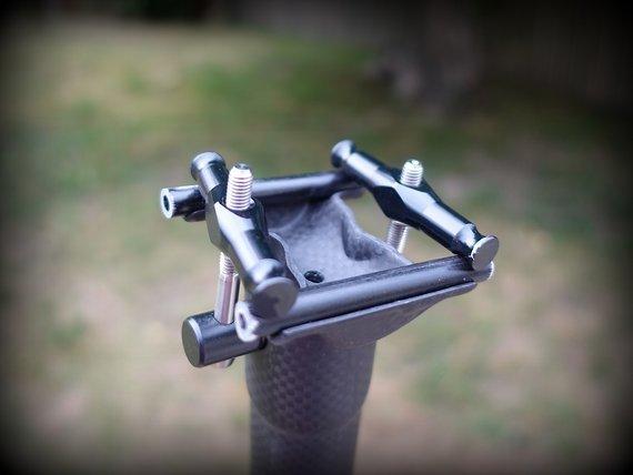 Ultra-Light Sattelstütze   Carbon Titan   149g   30,9mm   400mm