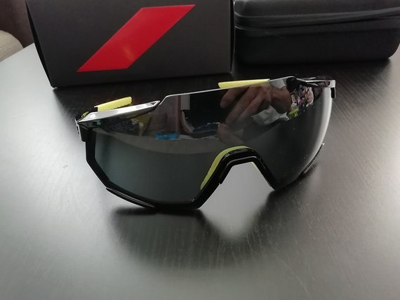 100% Racetrap gloss black smoke lens