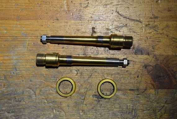 DMR Titannitrit-Beschichtete Titanachsen für V12