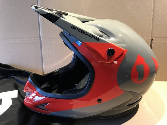 661 SixSixOne Rage CARBON Fullface Helm Gr. XL *NEU*
