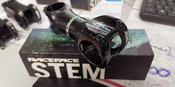 Raceface Turbine Vorbau, 35mm Klemmung, 90mm Länge, 6° Neigung