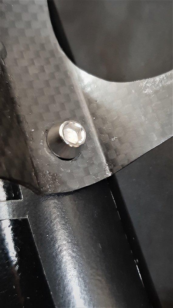 Ti-Suspension Flaschenhalterschrauben TITAN polish M5x15 NEU
