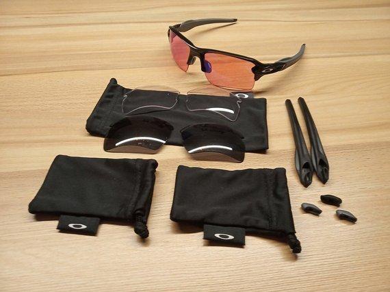 Oakley Flak 2.0 Brille mit 3 Satz Gläsern