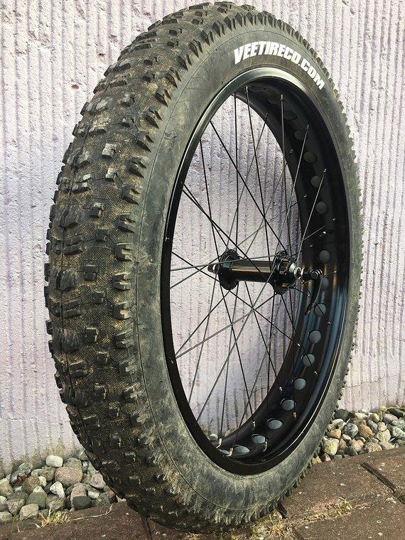 """Vee Tire Bulldozer 26x4,7"""" Fatbike Reifen"""