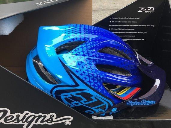 Troy Lee Designs A2 HELM *NEU* MIPS 50/50 BLUE Gr. M/L