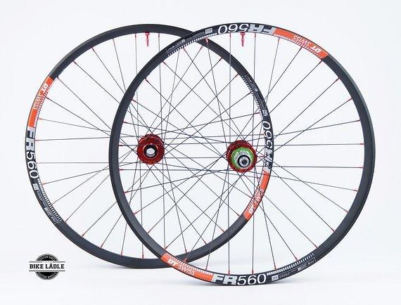 "DT Swiss FR 560 Laufradsatz 26"" / 27,5"" / 29"" mit Hope Pro 4 EVO Naben / Tubeless Ready inkl Noa Alu Ventile / Bike-Lädle Laufradbau"