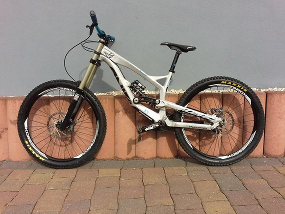 YT Industries Tues 2.0 Raw