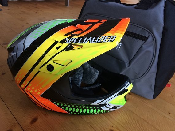 Specialized Dissident Carbon Fullface Downhill Helm Gr. M *neu*