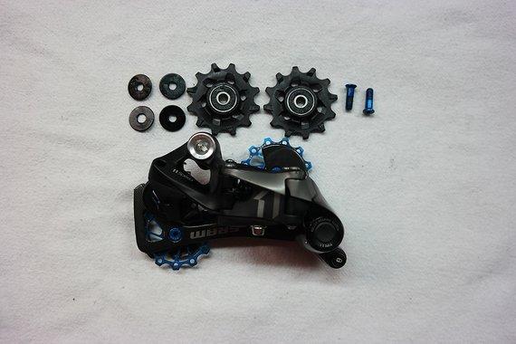 SRAM X01 Schaltwerk 11-fach 1x11 Type 2.1 mit KCNC Alu Schaltröllchen blau + originale