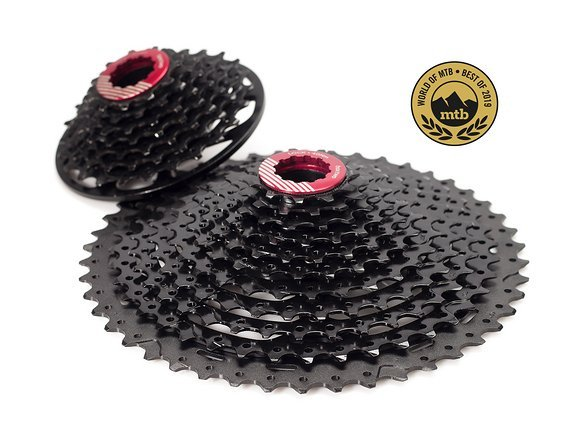 Box Components Two 11-24T DH Cassette 7 speed, black