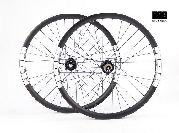 """NOA DHC 31,5 Downhill Carbon Laufradsatz 27,5"""" / 29"""" mit Noa 120 Klicks Naben / Bike -Lädle Laufradbau"""