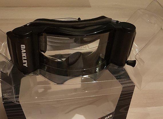 Oakley Airbrake MX Jet Black Clear mit Roll-Off NEU schwarz