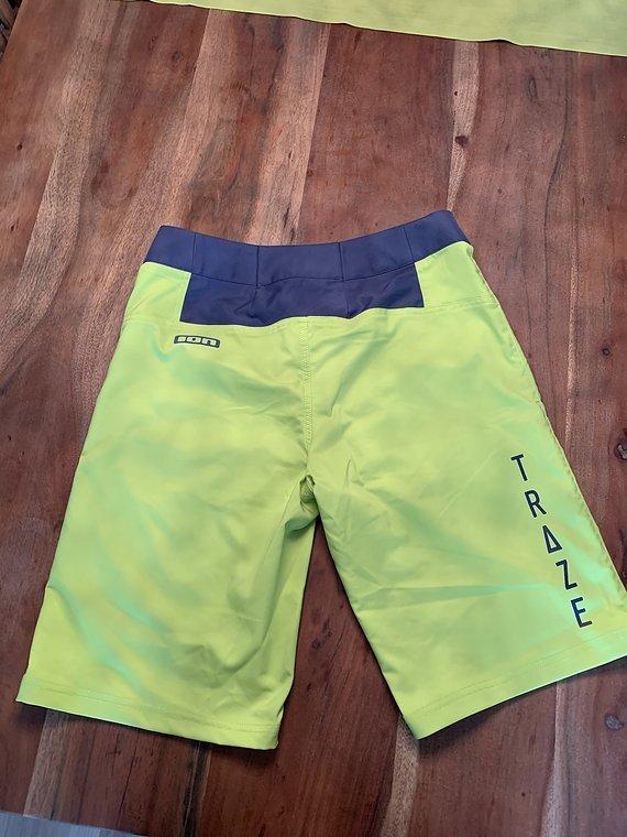 ION Traze AMP Shorts Size 32 / Medium