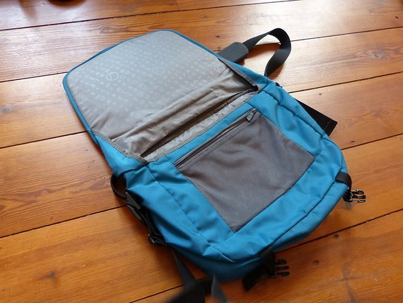 Lowe Alpin High Ball Tasche Schule Messenger