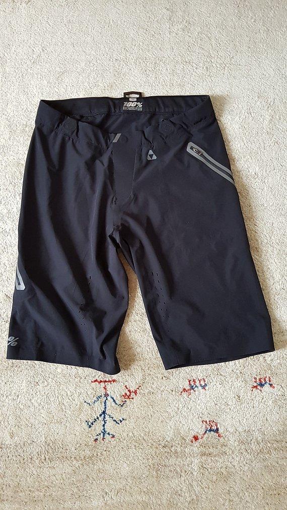 100% Celium Shorts Gr. 34 L