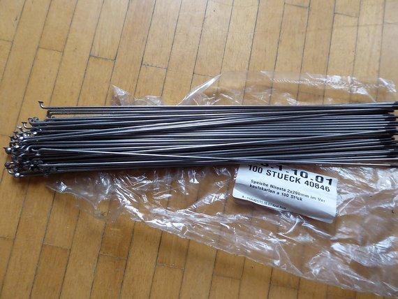 Nirosta Edelstahlspeichen 290mm x 2mm, 82 Stk.