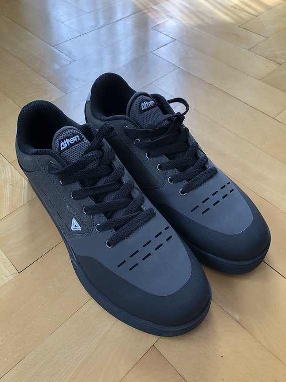 Afton Shoes Afton Keegan Flatpedal Schuh EUR46/US13, grau, NEU inkl. Versand!