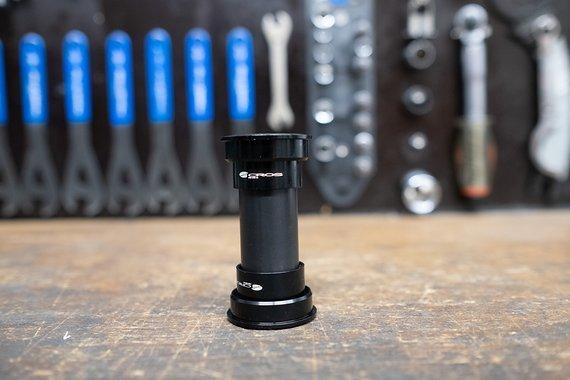 Acros Press Fit 24mm Innenlager schwarz