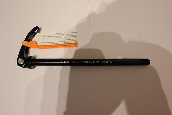 Universal Boost Achse / Schnellspanner 12 x 148mm