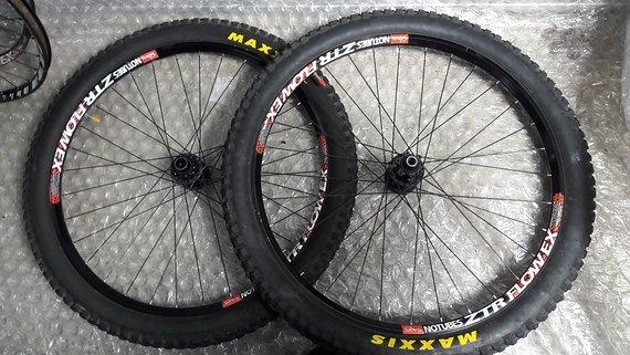 """Notubes ZTR Flow EX 26"""" Hope Pro 2 157x12mm/20x110 inkl. Reifen, Freilauf normal, keine Dellen oder SchlägeReifen gegen kleinen aufpreis"""