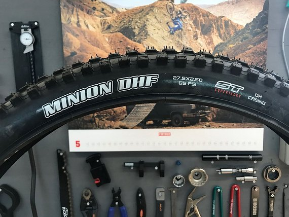 Maxxis Minion DHF / 27,5x2,5 / Super Tracky / DH Casing