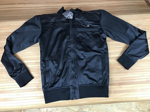 Iron Fist Seething Track Jacket / Jacke Gr. L black *NEU*