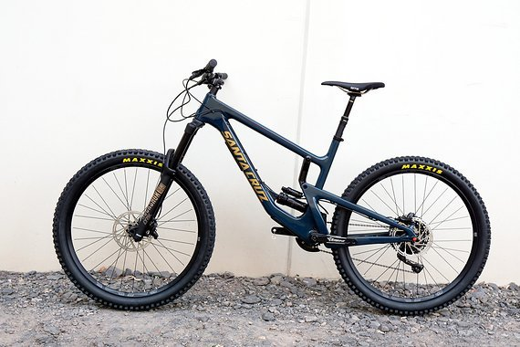 Santa Cruz Nomad C XE 27.5, Rock Shox Deluxe Air RCT, Gloss Ink and Gold Modell 2018 Sonderpreis!