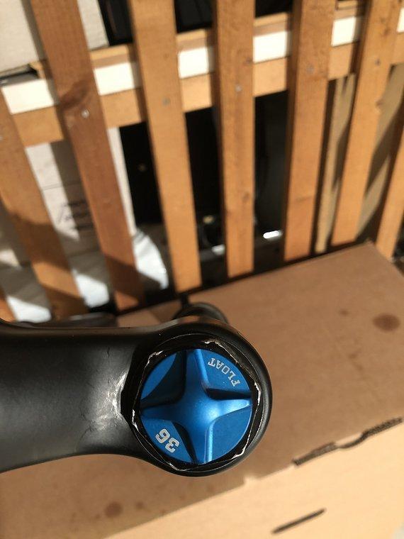 Fox  Racing Shox 36 27,5 Grip 2 44mm Offset