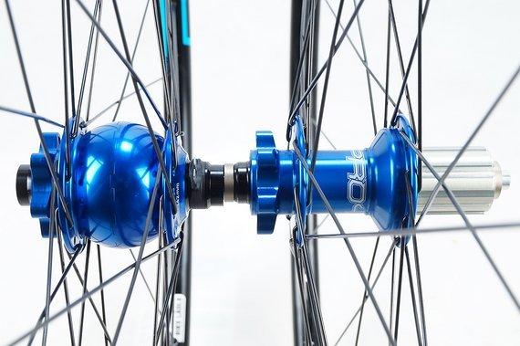 """Notubes Crest MK3 Laufradsatz 26""""/27,5""""/29"""" mit Son / Hope Pro 4 Naben / Nabendynamo / Bike-Lädle / Laufradbau"""
