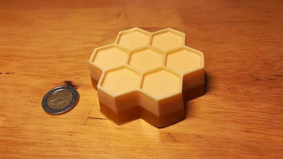 """Naturseife """"Bienenwaben"""" mit Honig und Orangenduft"""